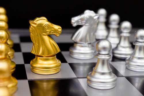 Fichas en tablero de ajedrez