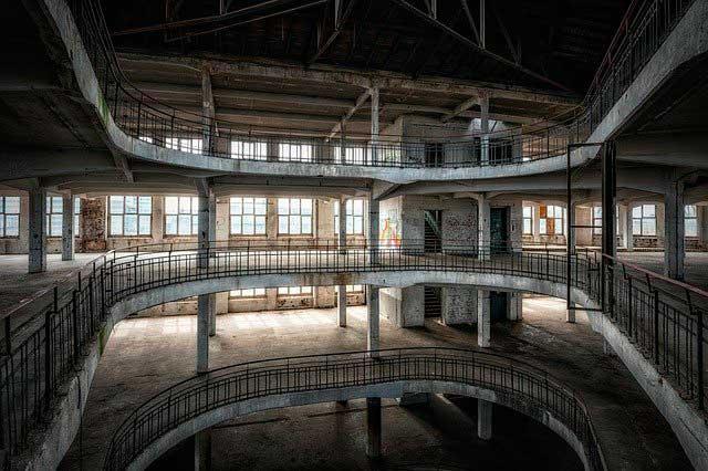 Interior de edificio vacío