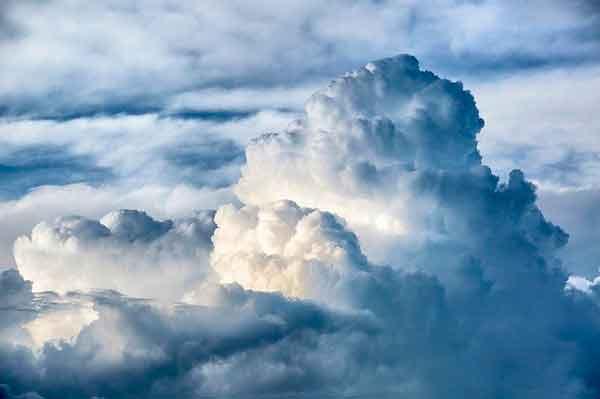Nubes que cambian de forma