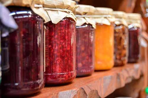 Tarrinas de mermeladas de frutas